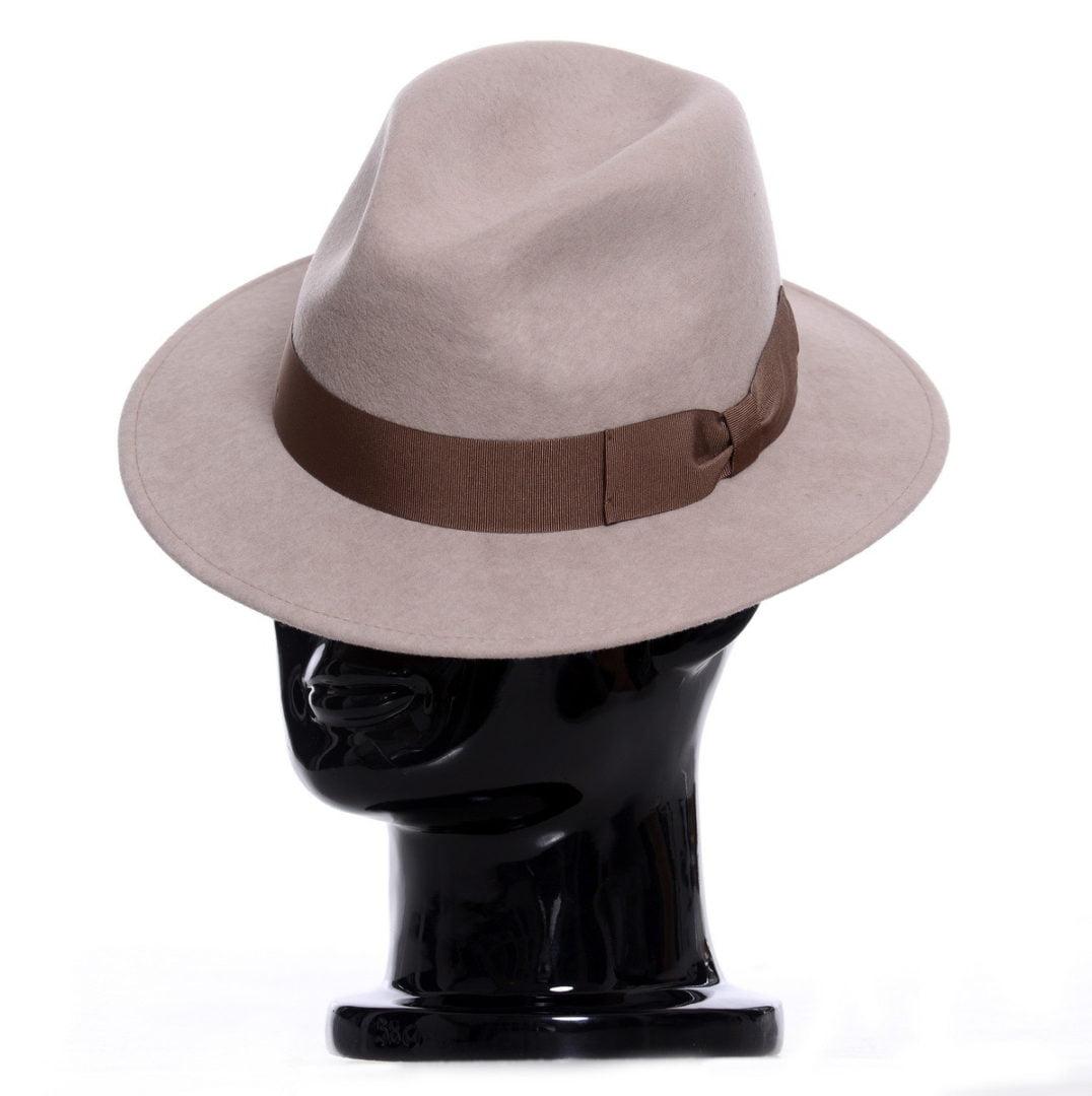 Pălărie Mojo, nude