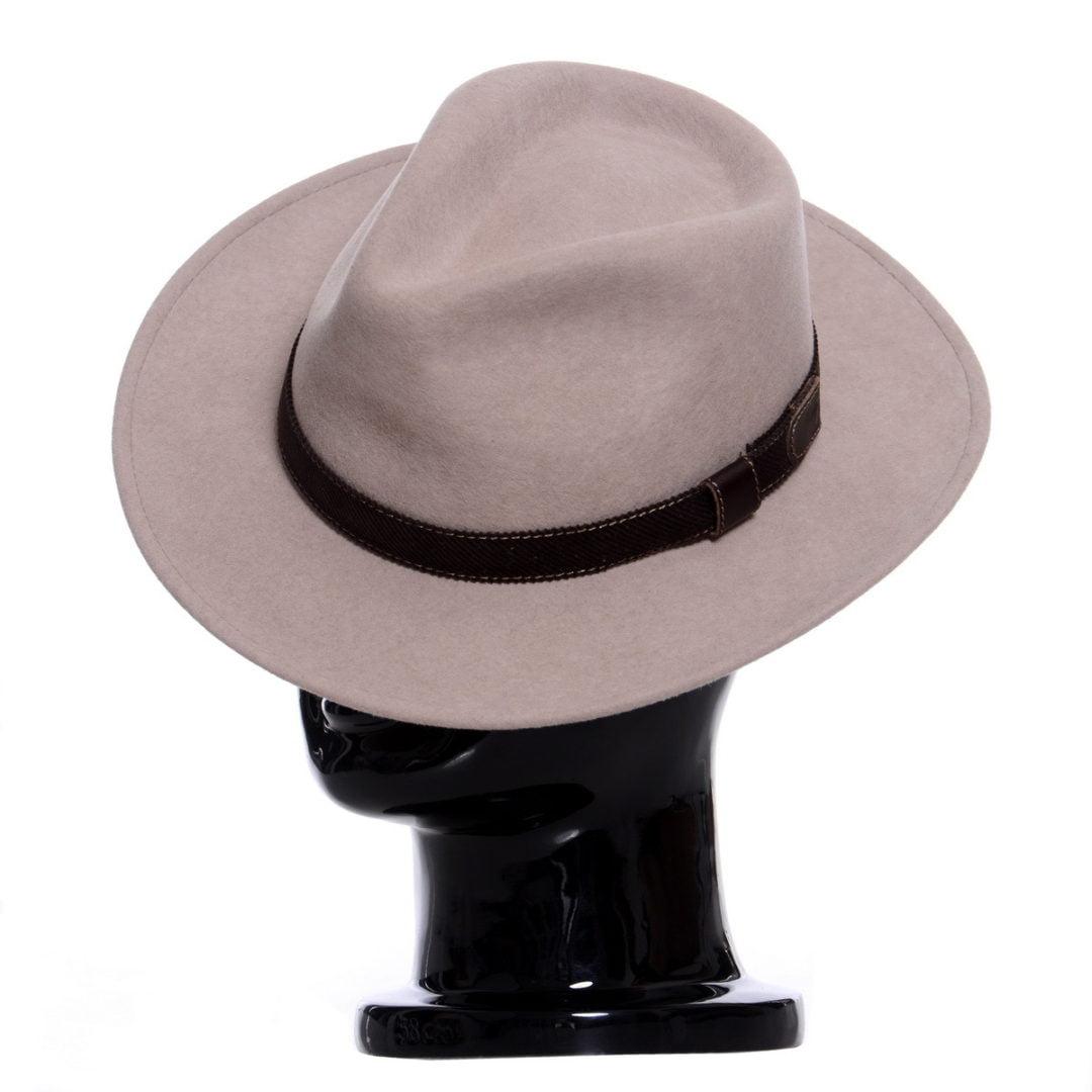 Pălărie Adami nude