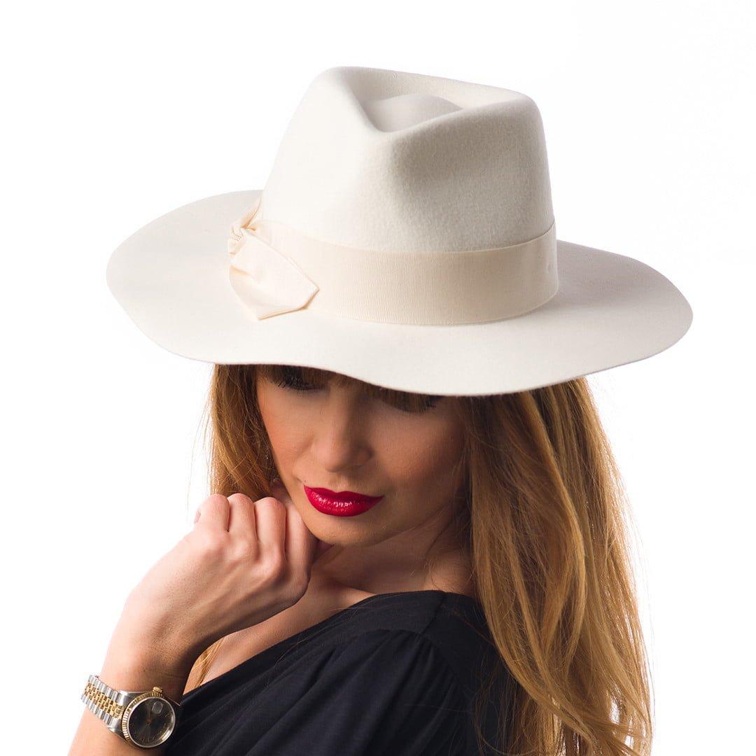Pălărie Tasha, albă