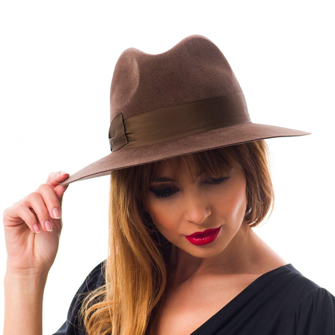 Pălărie Marisol, maro, din velour de iepure